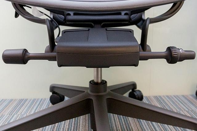 Aeron_Chair_Remastered_12.jpg