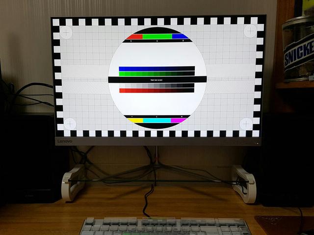Lenovo_L27q-10_08.jpg
