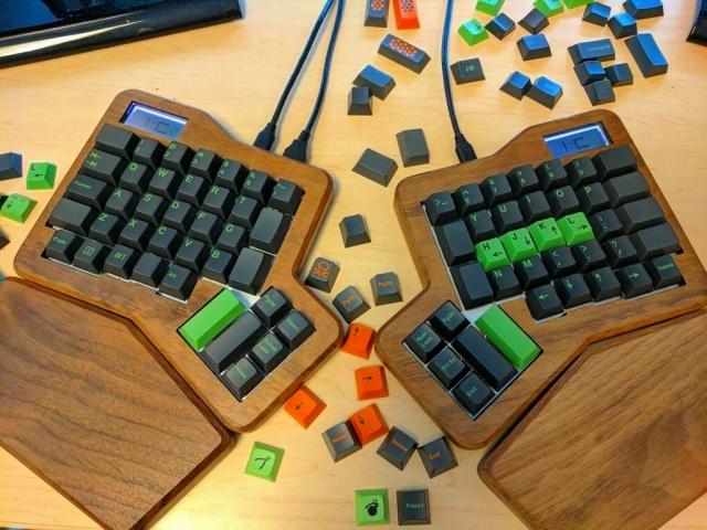 Mechanical_Keyboard100_100.jpg