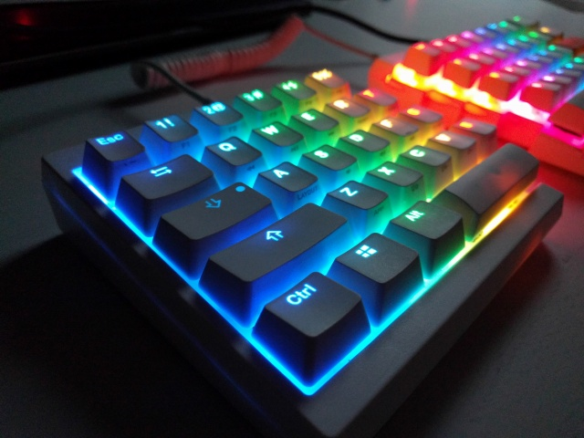 Mechanical_Keyboard103_01.jpg