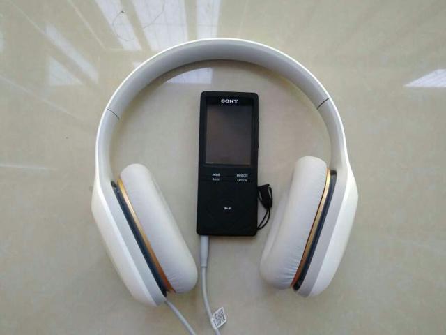 Mi_Headphones_Comfort_06.jpg