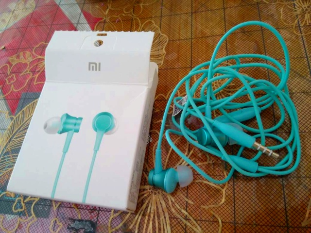 Mi_In-Ear_Headphones_Basic_08.jpg