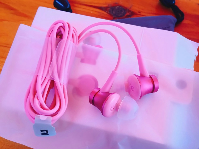 Mi_In-Ear_Headphones_Basic_09.jpg
