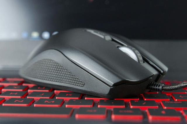 OMEN_by_HP_Mouse_600_04.jpg