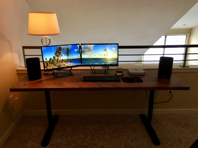 PC_Desk_MultiDisplay100_39.jpg
