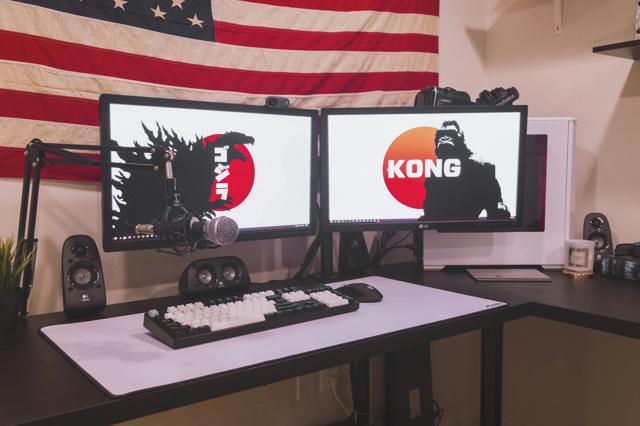 PC_Desk_MultiDisplay100_41.jpg