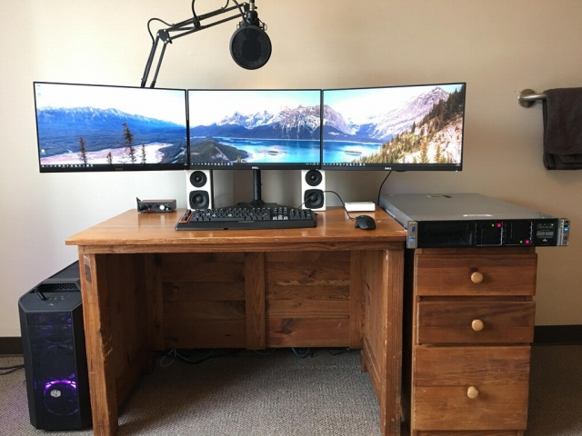 PC_Desk_MultiDisplay100_52.jpg