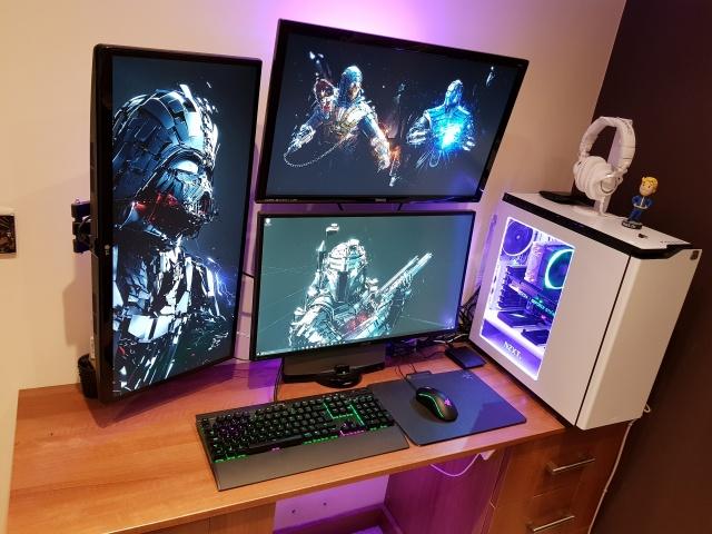 PC_Desk_MultiDisplay100_80.jpg