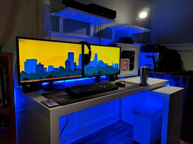 PC_Desk_MultiDisplay100_86.jpg