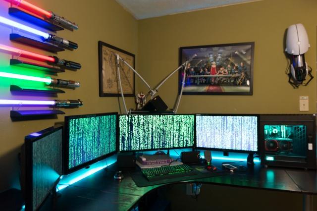 PC_Desk_MultiDisplay100_90.jpg