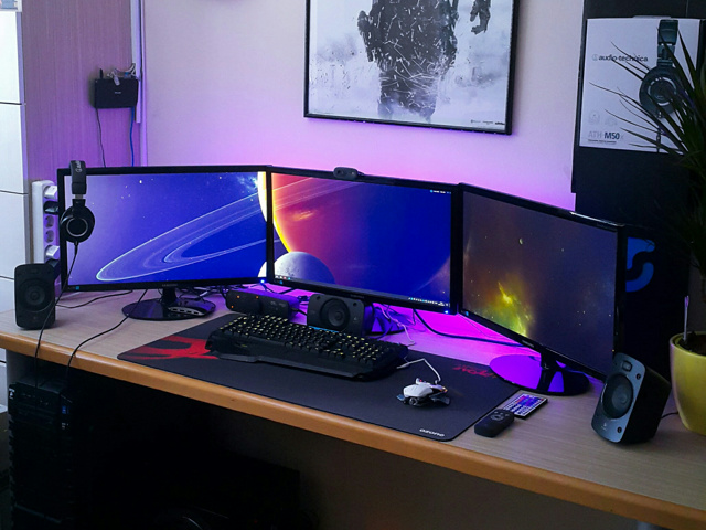 PC_Desk_MultiDisplay91_26.jpg