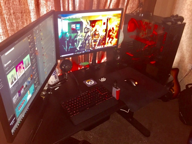 PC_Desk_MultiDisplay92_03.jpg