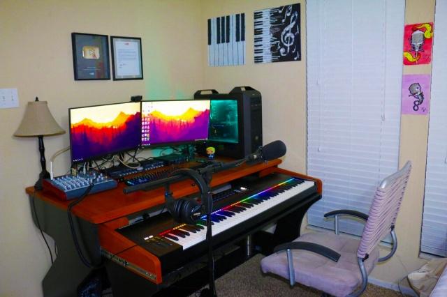 PC_Desk_MultiDisplay92_08.jpg