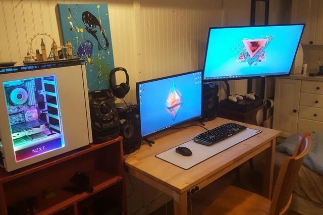 PC_Desk_MultiDisplay92_10.jpg