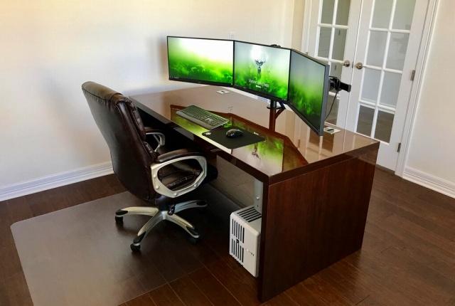 PC_Desk_MultiDisplay92_21.jpg
