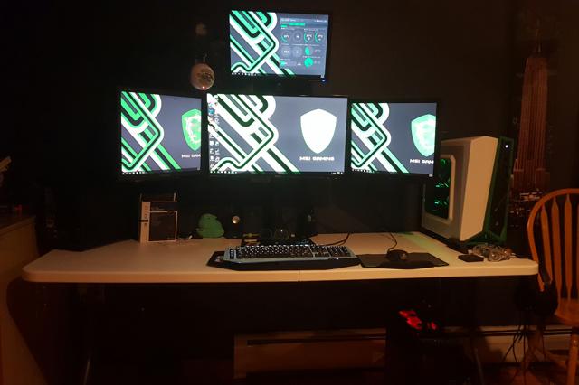 PC_Desk_MultiDisplay92_22.jpg
