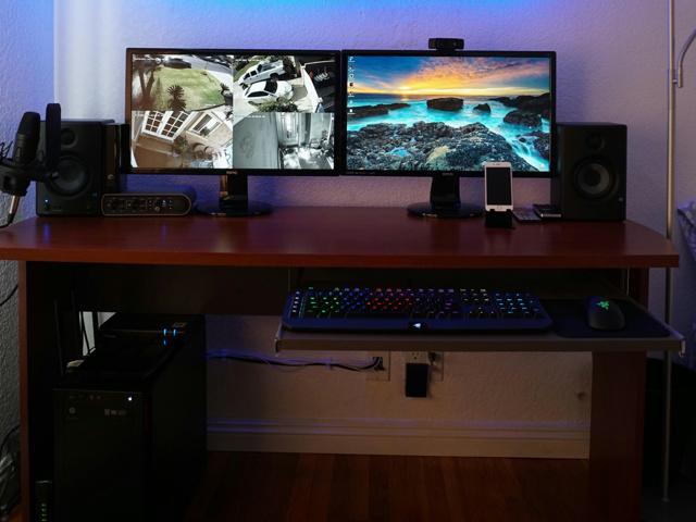 PC_Desk_MultiDisplay92_25.jpg