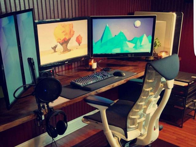 PC_Desk_MultiDisplay92_40.jpg