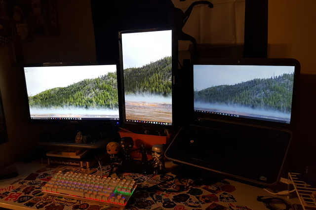 PC_Desk_MultiDisplay92_47.jpg