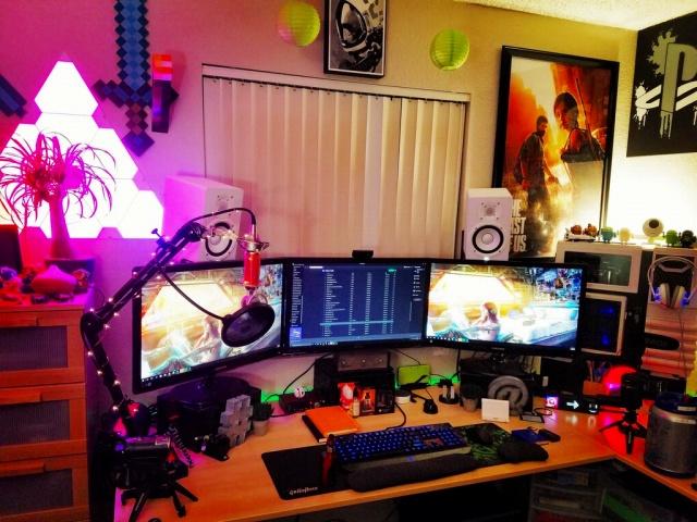 PC_Desk_MultiDisplay92_51.jpg