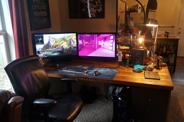 PC_Desk_MultiDisplay92_65.jpg