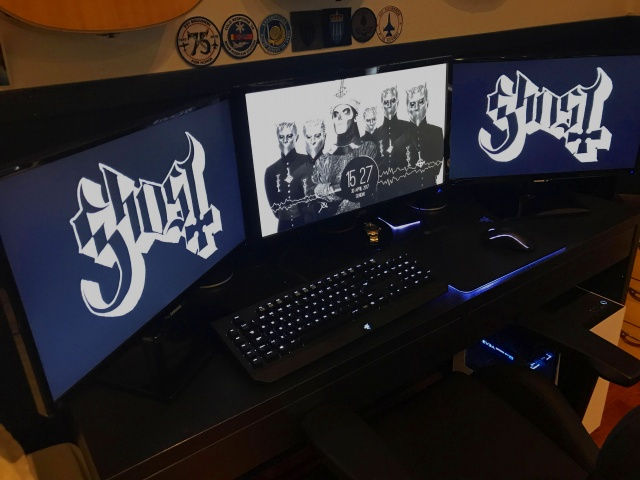 PC_Desk_MultiDisplay92_70.jpg