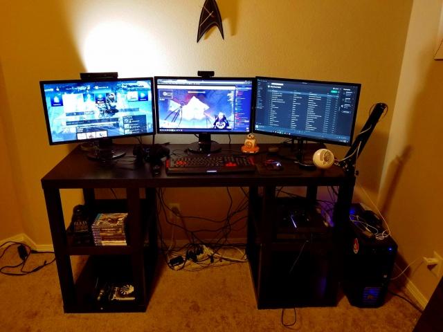PC_Desk_MultiDisplay92_95.jpg
