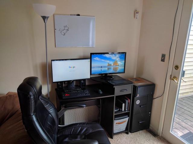 PC_Desk_MultiDisplay92_98.jpg