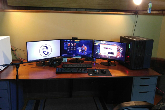 PC_Desk_MultiDisplay93_12.jpg