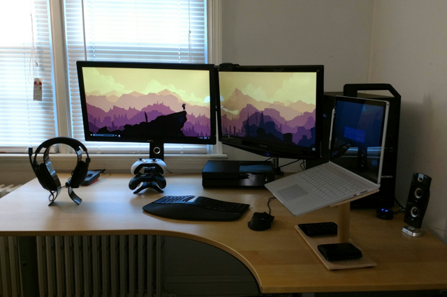 PC_Desk_MultiDisplay93_21.jpg