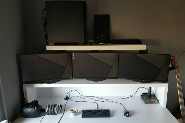 PC_Desk_MultiDisplay93_57.jpg