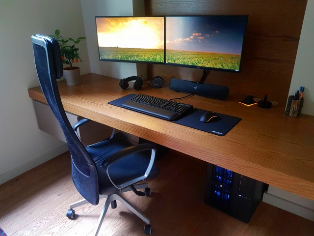 PC_Desk_MultiDisplay94_08.jpg