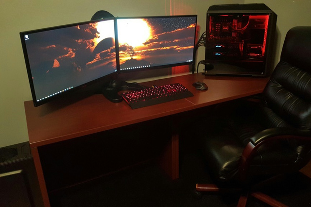 PC_Desk_MultiDisplay94_78.jpg