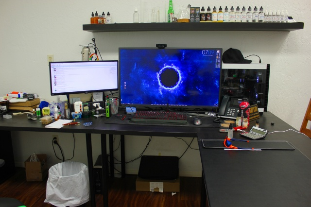 PC_Desk_MultiDisplay95_17.jpg
