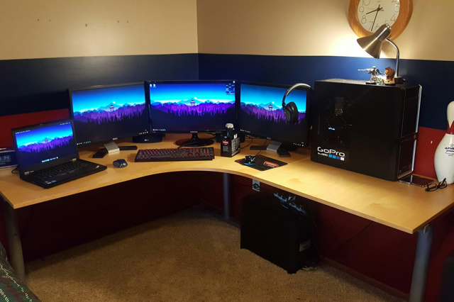 PC_Desk_MultiDisplay96_03.jpg