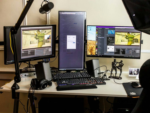 PC_Desk_MultiDisplay96_50.jpg