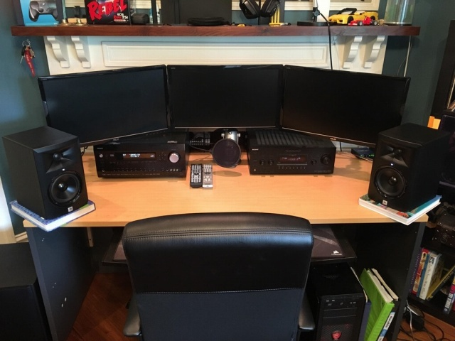 PC_Desk_MultiDisplay96_51.jpg