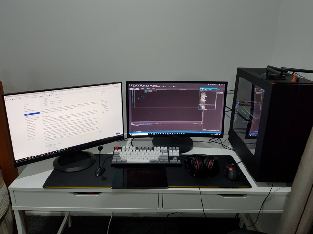 PC_Desk_MultiDisplay96_68.jpg