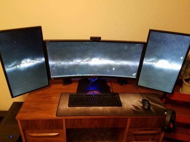 PC_Desk_MultiDisplay98_06.jpg