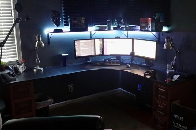 PC_Desk_MultiDisplay98_13.jpg