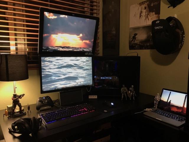 PC_Desk_MultiDisplay98_16.jpg