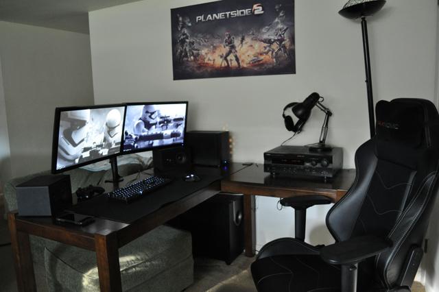 PC_Desk_MultiDisplay98_24.jpg