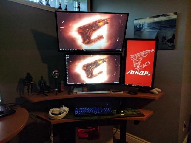PC_Desk_MultiDisplay98_26.jpg