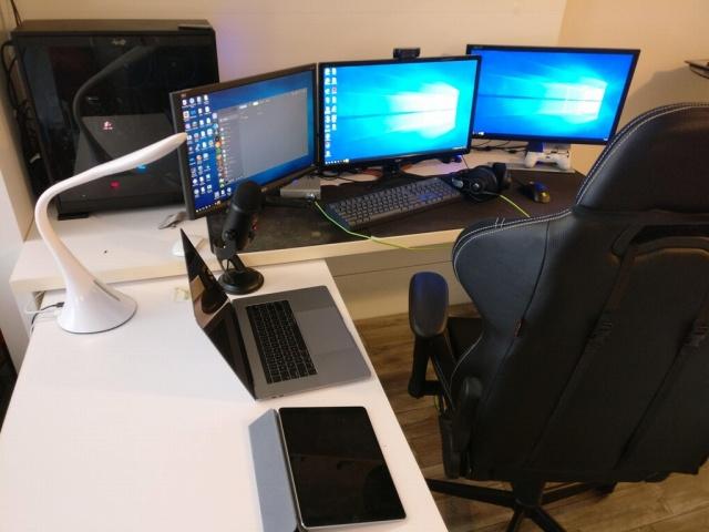 PC_Desk_MultiDisplay98_28.jpg