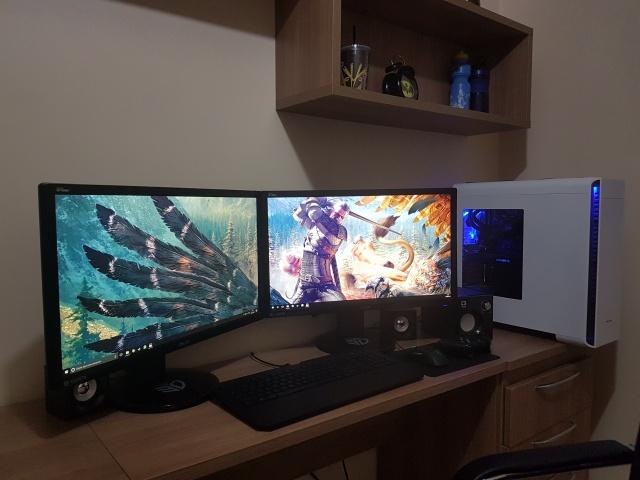 PC_Desk_MultiDisplay98_42.jpg