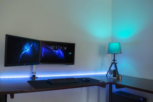 PC_Desk_MultiDisplay98_49.jpg