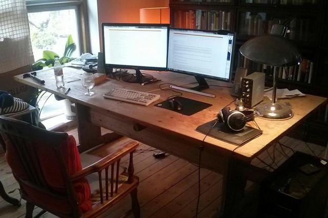 PC_Desk_MultiDisplay98_61.jpg