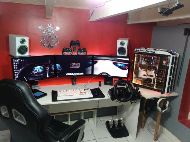 PC_Desk_MultiDisplay98_65.jpg