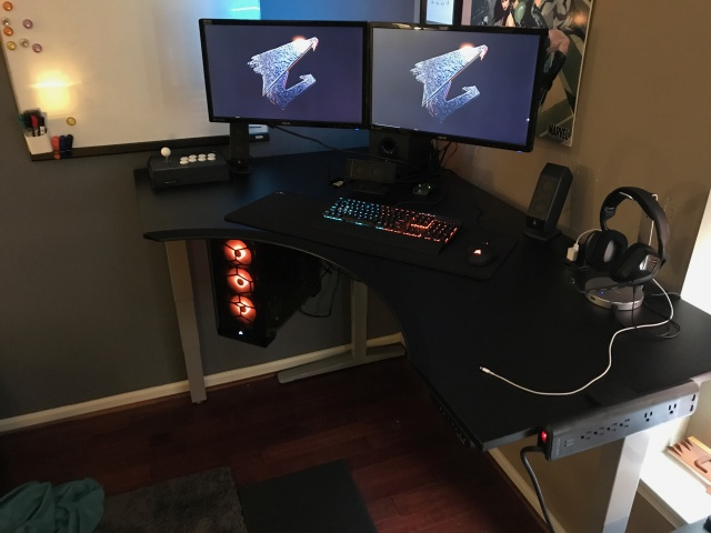 PC_Desk_MultiDisplay98_81.jpg