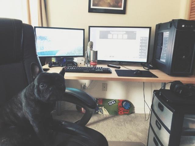 PC_Desk_MultiDisplay98_90.jpg